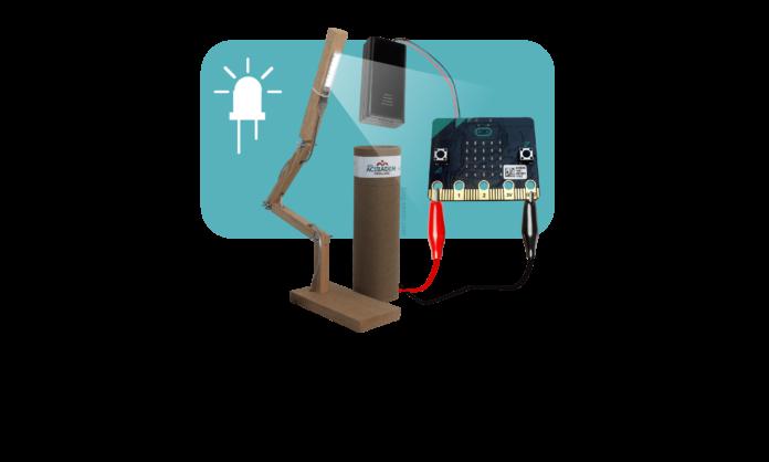 micro-bit-desk-lamp-4-02